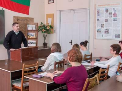 Взаимодействие национальных литератур обсудили на филологическом факультете