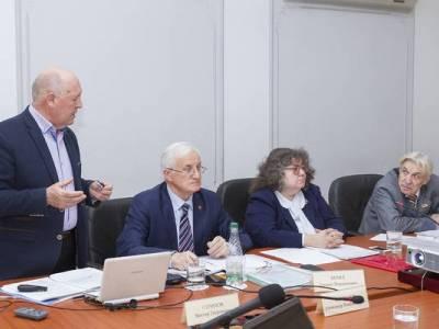 Отчеты научных лабораторий за 2018 год и поддержку молодых ученых обсудили в Правительстве