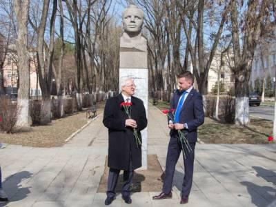 В Тирасполе прошел митинг в память о первом космонавте
