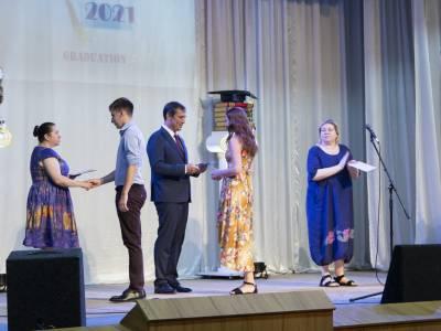 Выпускникам Института государственного управления, права и социально-гуманитарных наук вручили дипломы
