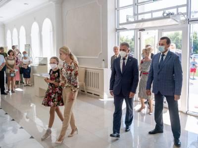 Семья Красносельских – одни из первых посетителей выставки археологического наследия Приднестровья